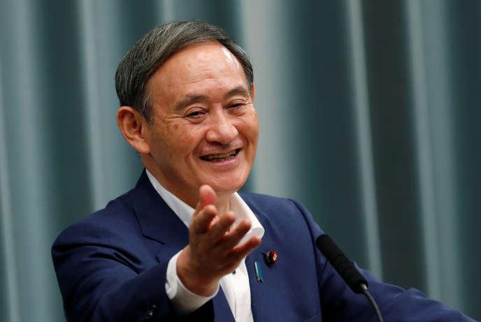 Porte-parole du gouvernement sortant, Yoshihide Suga, lors d'une conférence de presse, le 14 septembre, à Tokyo.