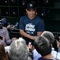 Hisashi Iwakuma, seen talking to reporters during spring training in 2019, went 63-39 for the Mariners in 150 games. | USA TODAY / VIA REUTERS